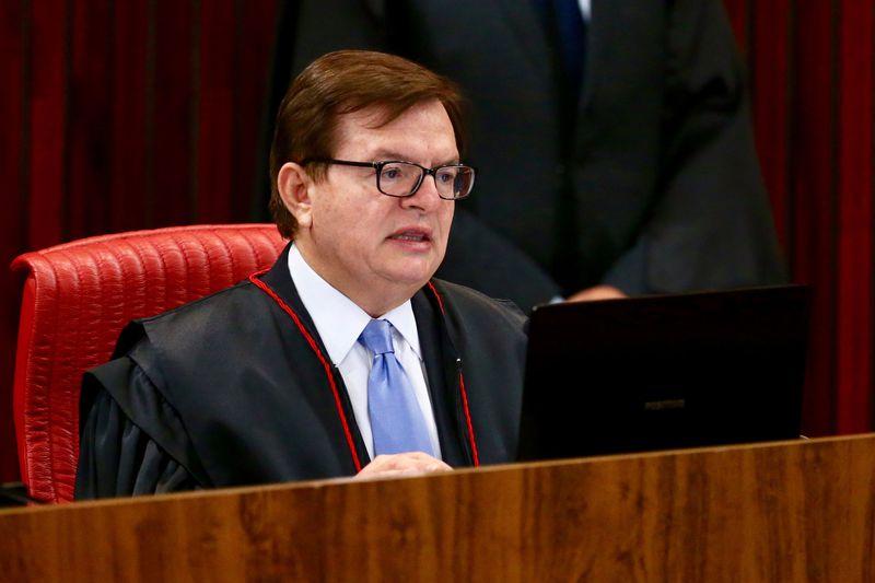 Brasília - O ministro Antonio Herman Benjamin, relator no TSE da ação em que o PSDB pede a cassação da chapa Dilma-Temer, durante retomada do julgamento (Fabio Rodrigues Pozzebom/Agência Brasil)
